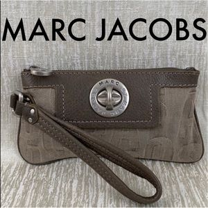 👑 MARC BY MARC JACOBS CLUTCH / WRISTLET 💯 AUTH